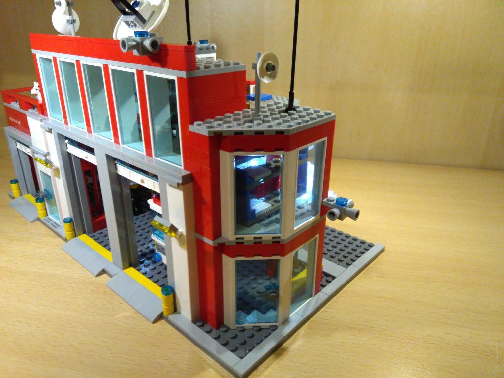 LEGO® Feuerwache 2 MOC - Seite