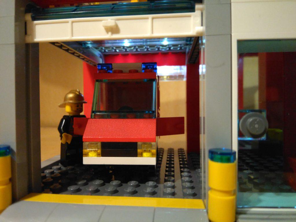 LEGO® Feuerwache 2 MOC - ELW